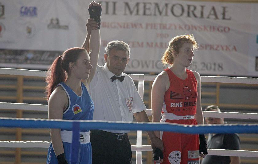 Julia Kurowska (KB Ring Bielsko-Biała) vs Maria Grabowska (GUKS CARBO Gliwice)