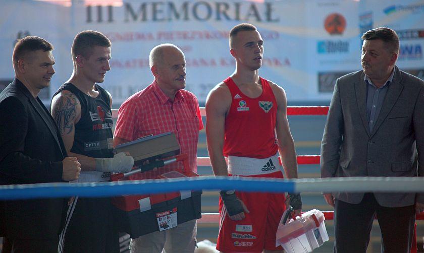 Szymon Łapa (JKB Jawor Team Jaworzno) vs Bartłomiej Stryczek (KB Ring Bielskoi-Biała)