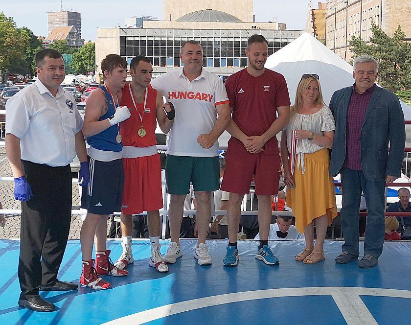 kategoria 60kg Roland Galos (Węgry) vs Nikita Dineiev (Ukraina) PKT 3-0