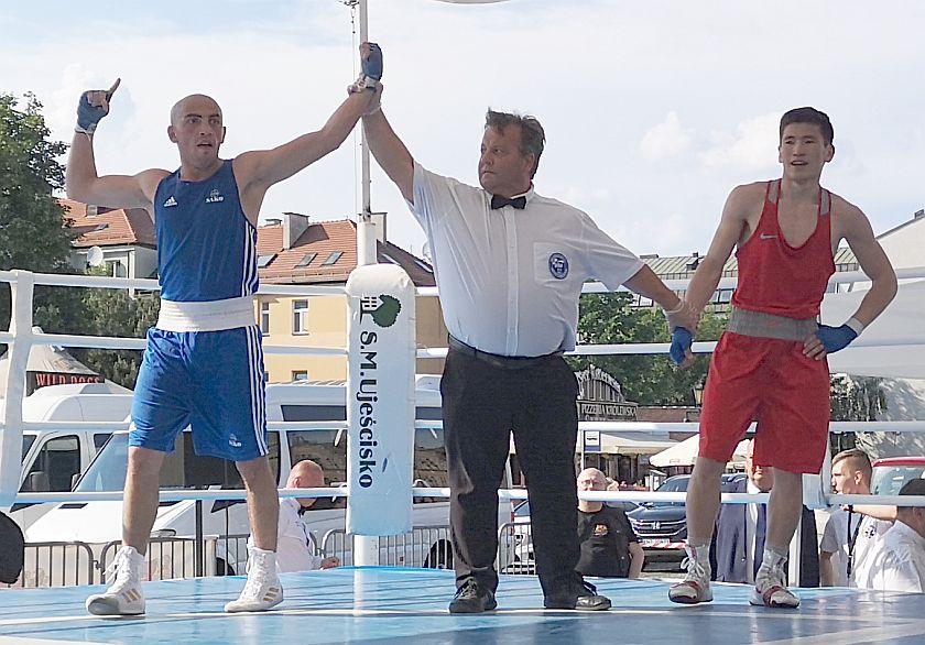 kategoria 60kg Radna Tcybikov (Rosja) vs Ucha Maisuradze (SAKO) PKT 0-3