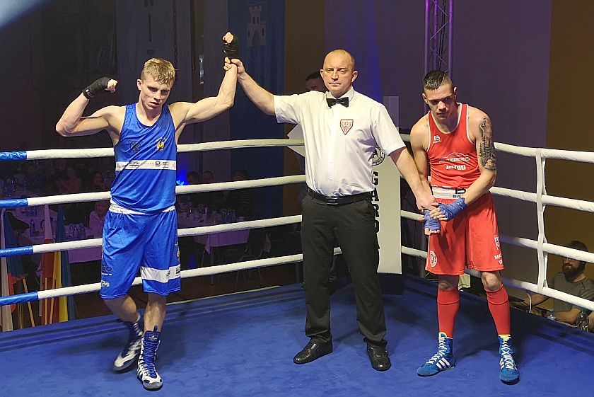 Daniel Skorupa (Boxing Team Skorupa) vs Mateusz Wuzik (Garda Gierałtowice)