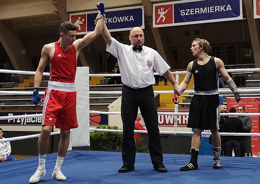 XXXIX Złota Rękawica Wisły Kraków Filip Oszczepalski (Fighter Kielce) vs Brice Vuelin (Francja)