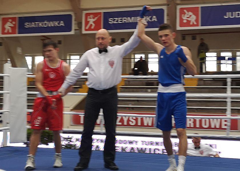 63kg Partyk Pers (Red Fighters Jelenia Góra) vs Filip Oszczepalski (Fighter Kielce)