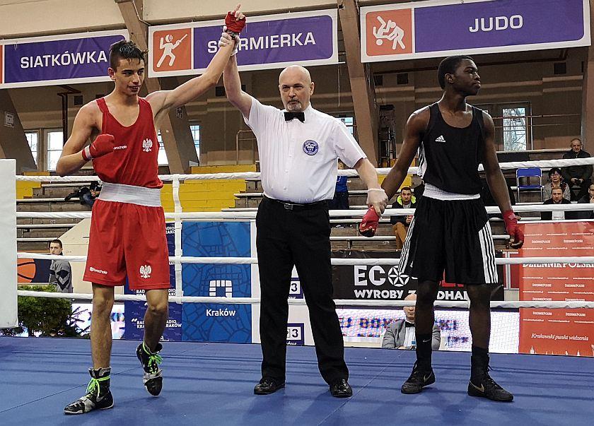 60kg Piotr Niewiadomski (Wisła Kraków) vs Lassana Konate (Francja)